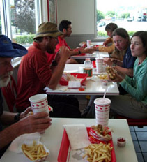 Thruhikers at In 'n Out
